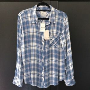 Rails NWT L/S Shirt in blue white and pink. Soft